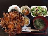 豚丼「かしわ」'16,10,30.JPG